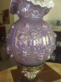 Beautiful Fenton Lamp GWTW gone with the wind, Violet opalescent over satin white