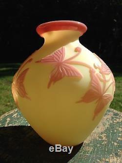 Fenton Sand Carved Burmese Butterflies Vase Kelsey Murphy R Bomkamp Le Rare