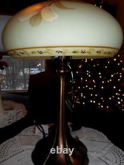 Fenton Art Glass 2007 Burmese Connoisseur Lamp Le # 202 Od 750 Spring Sunshine