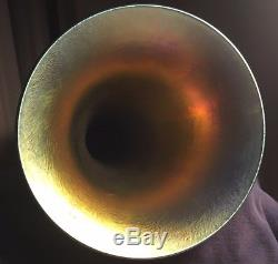 Lundberg Studios 2001 Pulled Feather Trumpet Vase Iridescent Blue Purple 10 3/4