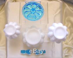 MINTVINTAGE50sFENTON GLASSSRCAQUA CRESTHOBNAILPERFUME/POWDER/VANITY