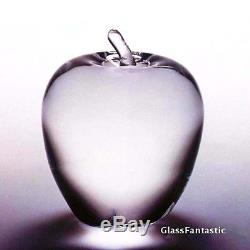NEW in BOX PERFECT STEUBEN glass APPLE ornament paperweight crystal heart NYC