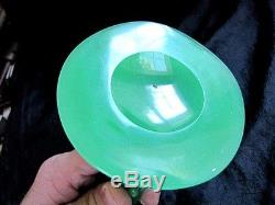 Rare Steuben Glass 3 Prong Stump Vase In Scarce Glowing Green Jadeite Color