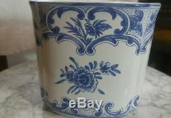 Tiffany & Co. Delft Cachepot Blue White China EXCELLENT Condition RARE