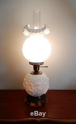 VTG Fenton White Poppy Milk Glass Gone With The Wind Parlor Lamp Beautiful