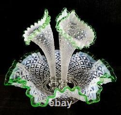 Vintage 1950s Large Emerald Crest Diamond Lace Fenton Epergnes 3 Horn Vase NMINT
