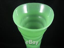 Vintage Fenton Art Glass Jade Green Stretch Ring Optic Vase