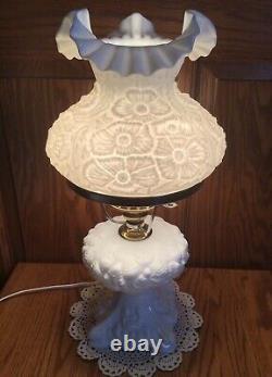 Vintage Fenton White Poppy Lamp
